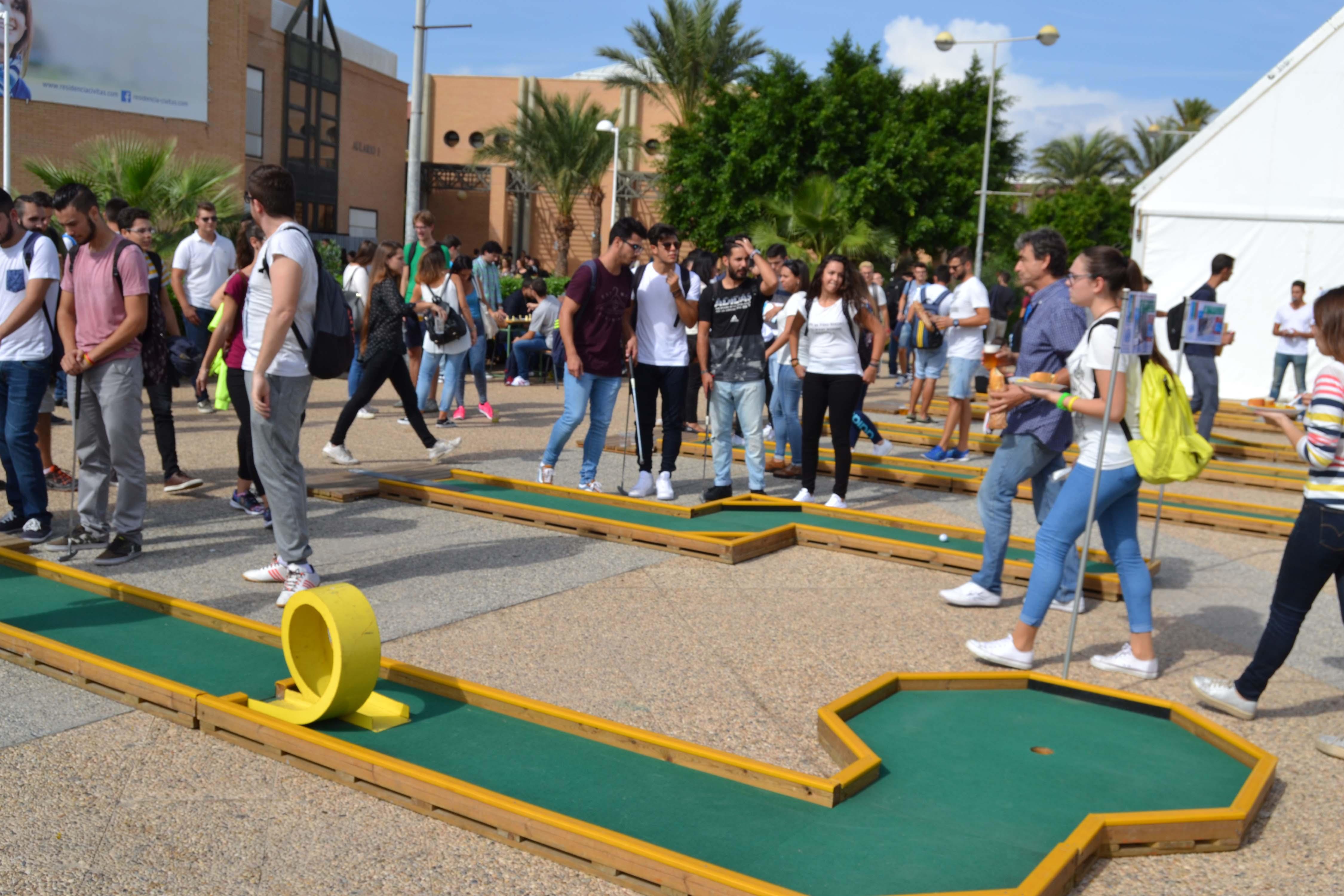 Los estudiantes de la UAL se vuelcan con la Jornada de Bienvenida ...