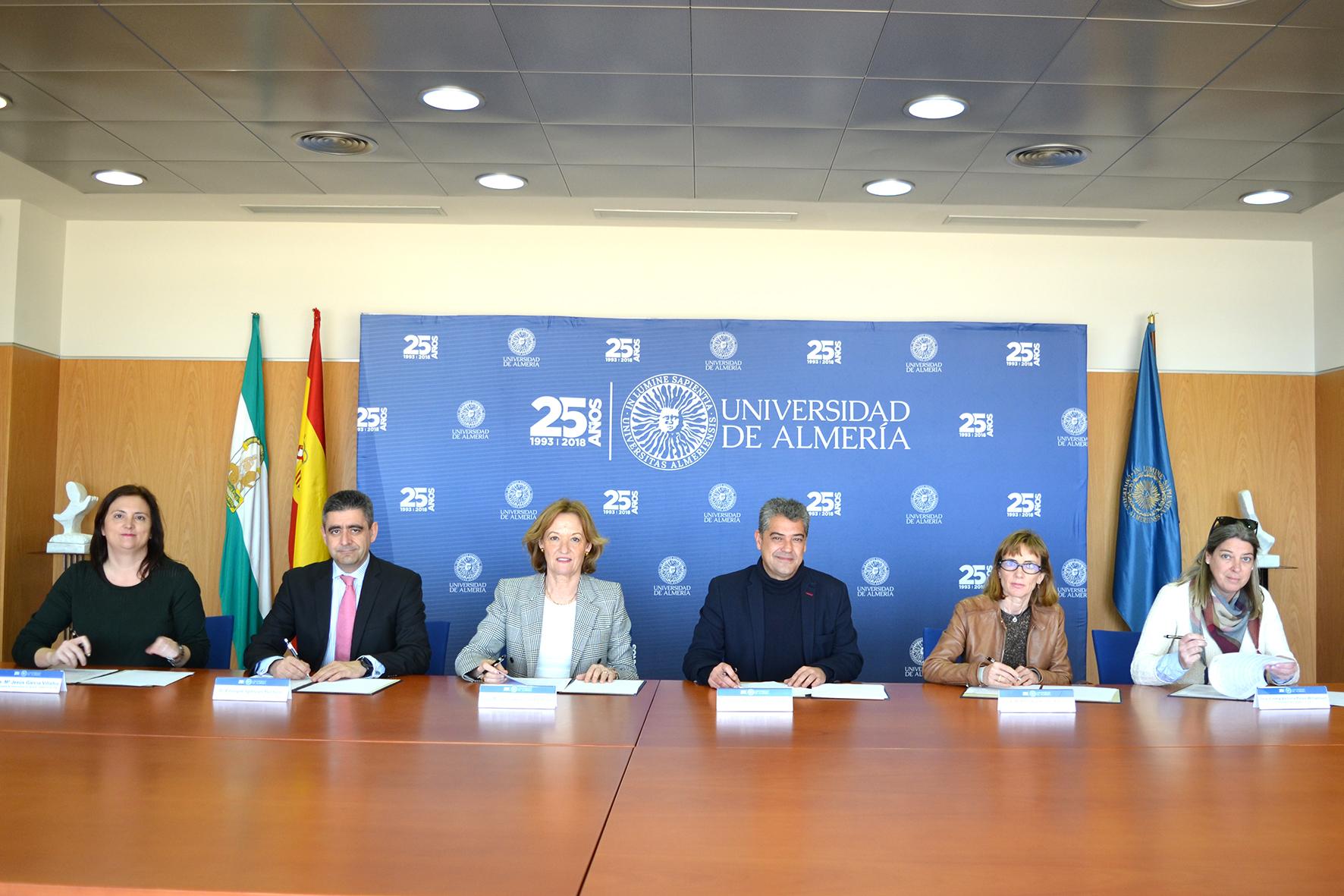 La UAL realizará controles de calidad ambiental de los puertos de Almería y Carboneras, y del gaso ...