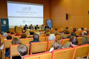 Los estudiantes de más de 55 años llenan las aulas de la Universidad de Mayores