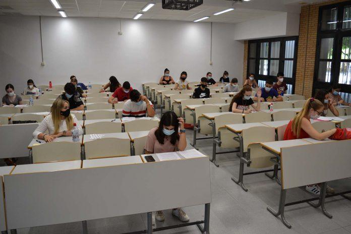 La Universidad de Almería digitalizará sus 200 aulas para docencia semipresencial el próximo curso 20/21
