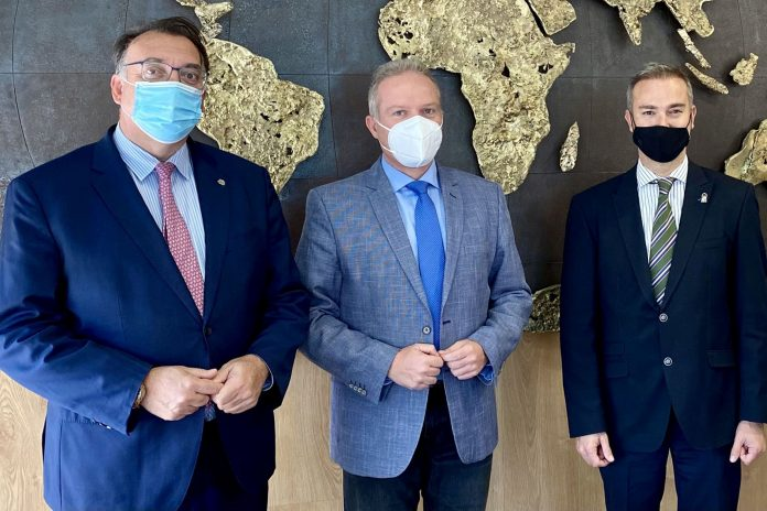 La UAL y la Junta de Andalucía se abren a internacionalizar el tejido empresarial e investigador almeriense