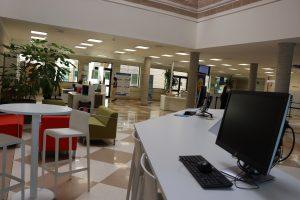 La Biblioteca Nicolás Salmerón, punto clave de la vuelta a la normalidad en el campus de la Universidad de Almería