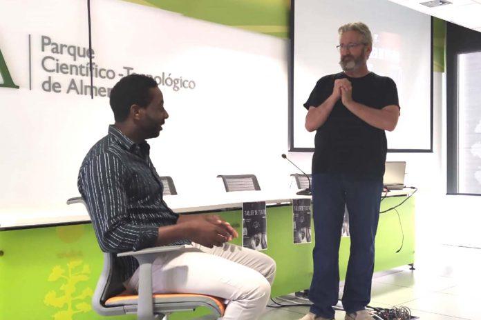 EmprendeUAL organiza talleres presenciales para potenciar el trabajo grupal y la creatividad